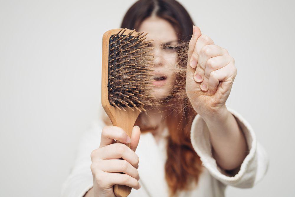 caduta capelli cause